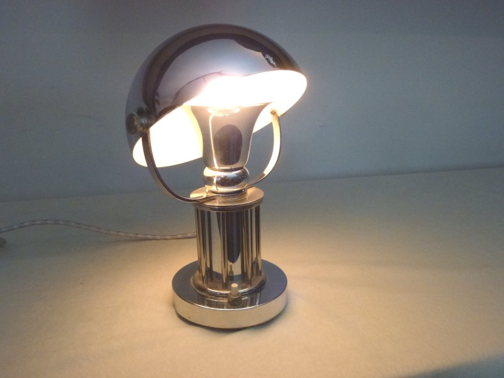Art Deco Tischlampe silberfarben Original Zustand