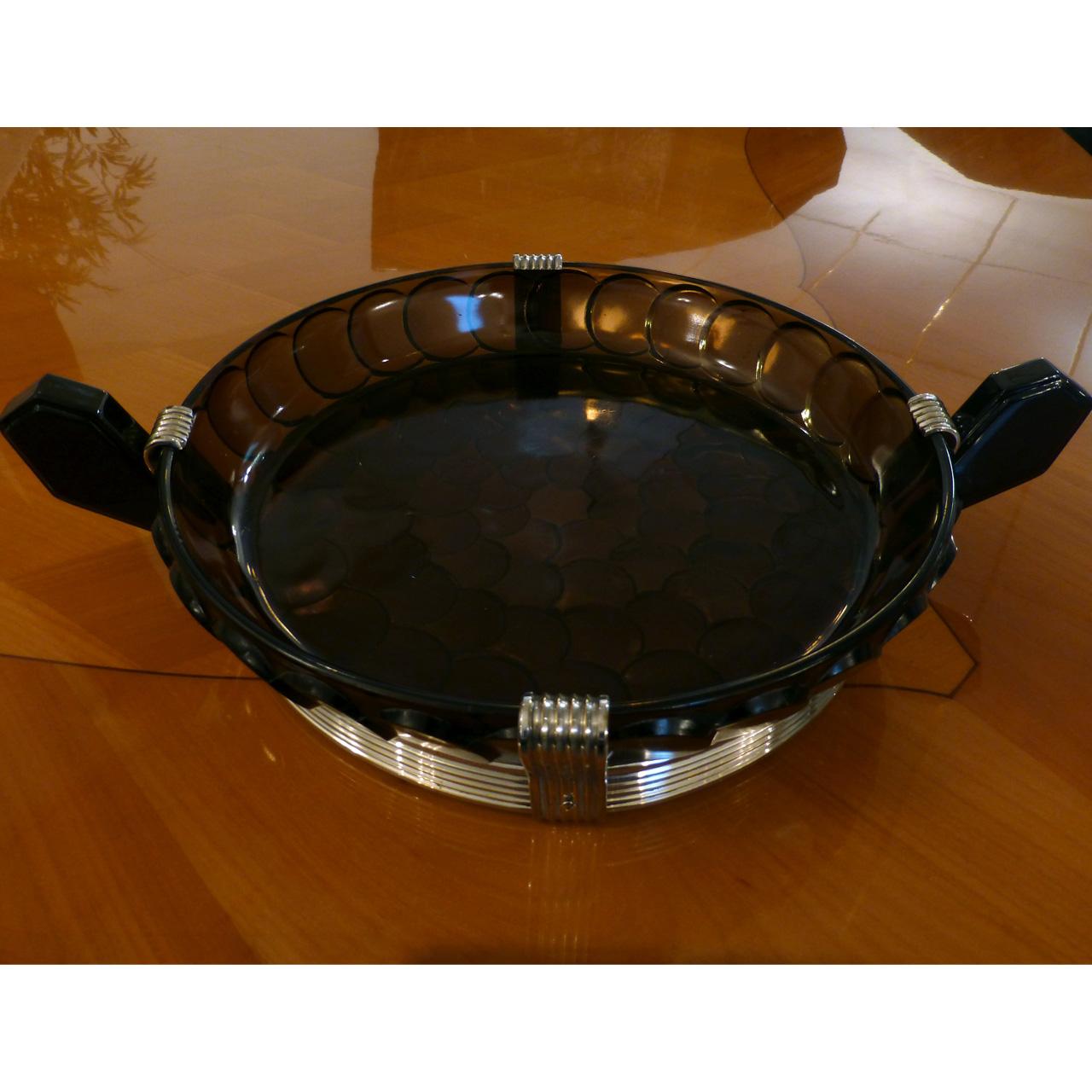 0018 Art Deco Schale in außergewöhnlicher Form aus grünlich / scharzem Pressglas mit minimalen Gebrauchspuren