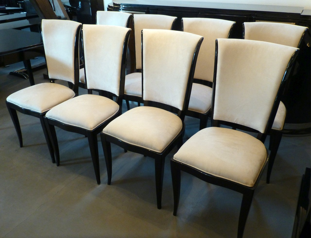 3150 Alle Stühle, von rechts